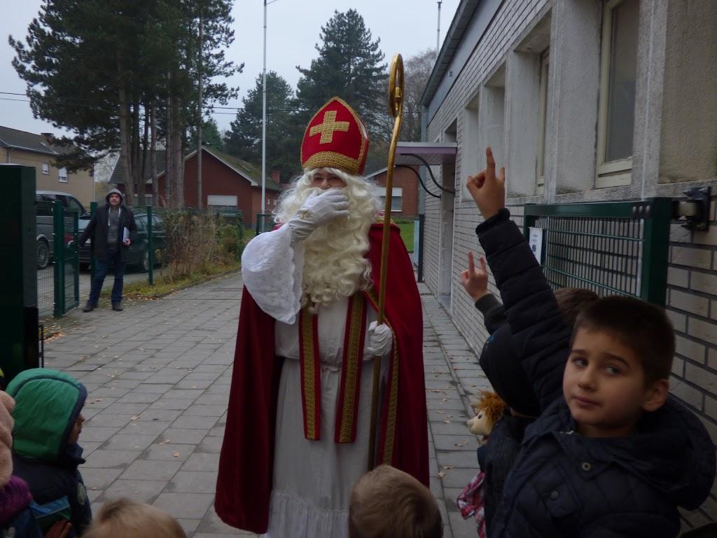 Sinterklaas op bezoek - P1060468.JPG