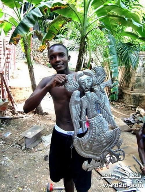 ابداعات افريقية فى تشكيل وتفريغ سطوح معدنية