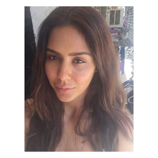 sonam bajwa sexy pic