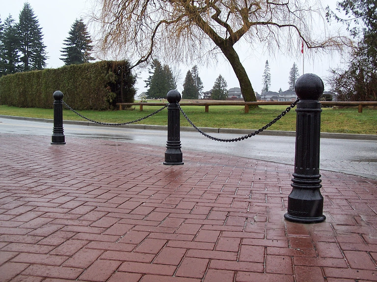 Image gallery decorative bollards - Decorative and safety bollards for your home ...