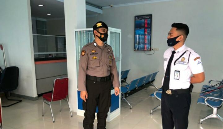 Personil Sat Sabhara Polres Soppeng Intensifkan Patroli Obyek Vital