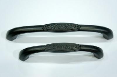 裝潢五金品名8818-古典取手規格:96mm(109)規格128m/m(144)顏色:黑色玖品五金
