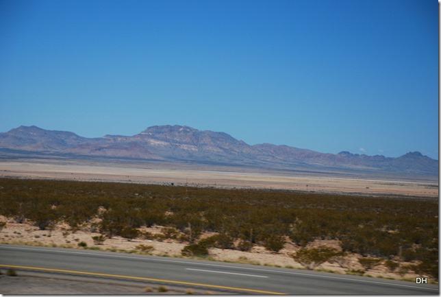 04-13-16 B New Mexico I10 Border Heading East (21)