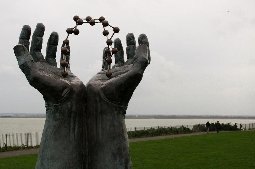 hands-molecule-ramsgate