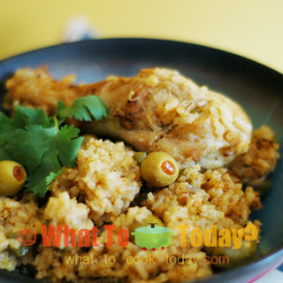 ARROZ CON POLLO / RICE WITH CHICKEN.