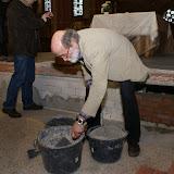 Inmetselen loden kistje in St. Agathakerk (afronding restauratie) - DSC06422.JPG
