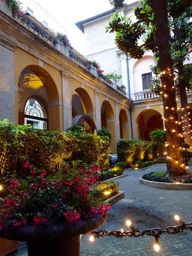 Palazzo Cardinal Cesi courtyard