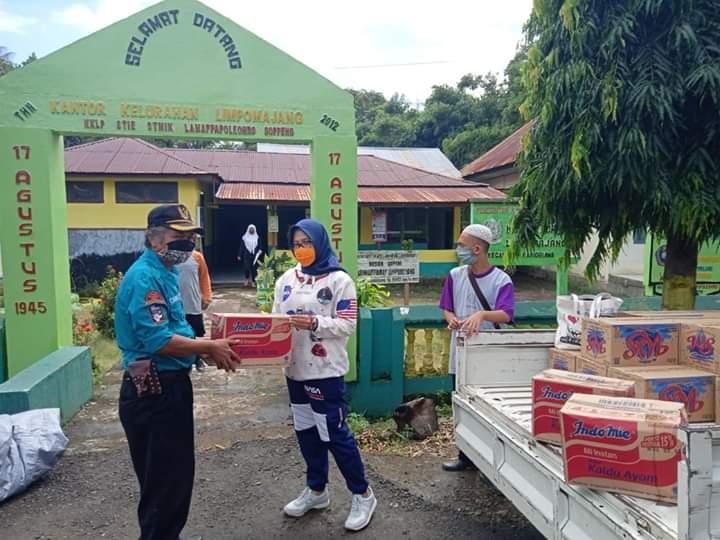 BPBD Soppeng Salurkan Bantuan Kepada Warga Terdampak Banjir