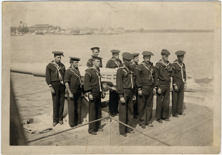 Gun crew on USS YOSEMITE. Hayes, Clarence M. DPA 1598. Burton Historical Collection. Detroit Public Library.jpg
