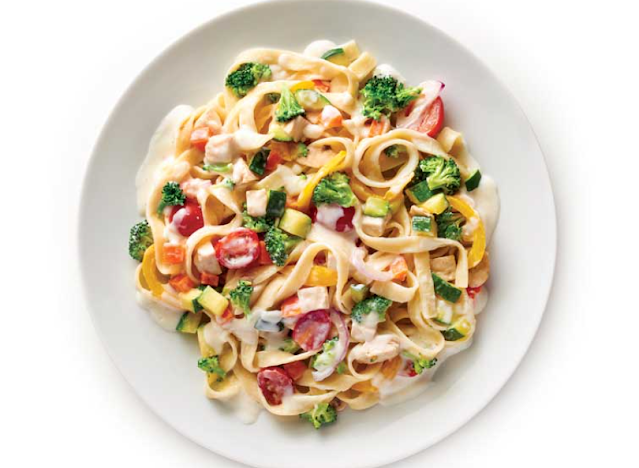 Garden alfredo recipe that will have your kids eating the rainbow and asking for more.