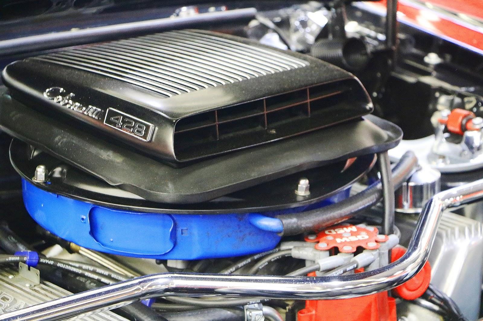 Ford Mustang 428 Cobrajet (02).jpg