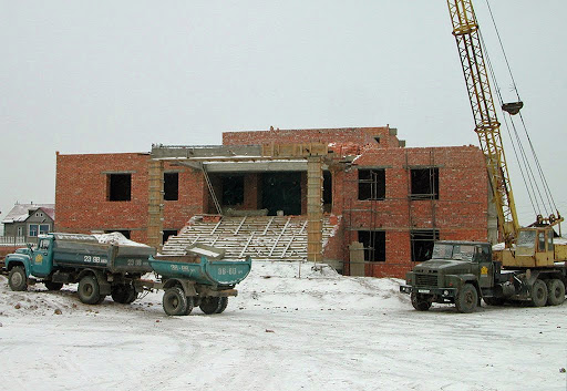 Construction on Idgaa Choizinling Dratsang building in November 2002, Ulaanbaatar, Mongolia. Photo by Ueli Minder. The rebuilding of Idgaa, which is formerly part of Sera Monastery in India, was financed by FPMT.