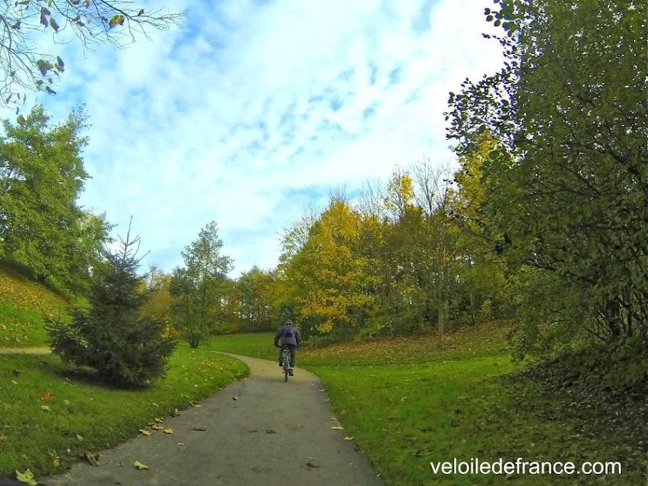 La Coulée verte du Sud Parisien à Verrières - Balade à vélo de Verrières à Bourg la Reine par veloiledefrance.com