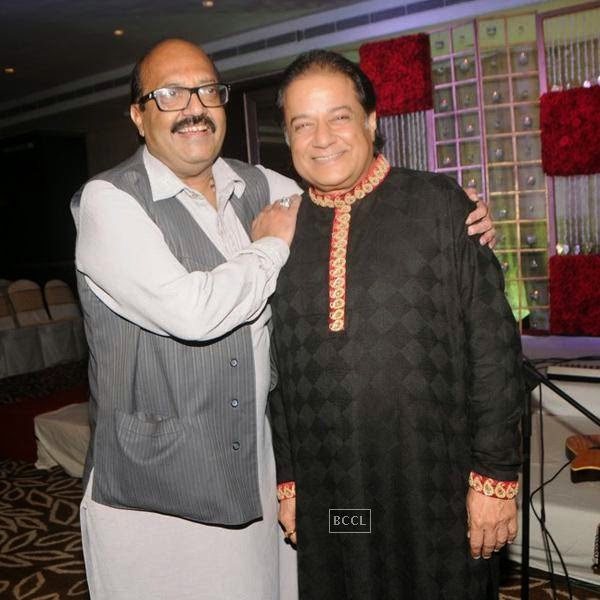 Amar Singh and Anup Jalota during the birthday celebrations, in Mumbai, on July 29, 2014. (Pic: Viral Bhayani)