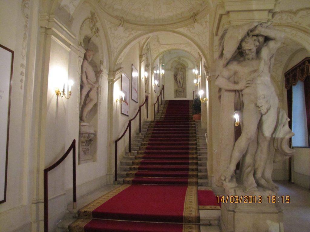 Auktionshaus im Kinsky - private guided tour - Ja%25CC%2588nner-Ma%25CC%2588rz%2B2013%2B031.jpg