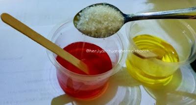 Larutan pewarna ditambah gula