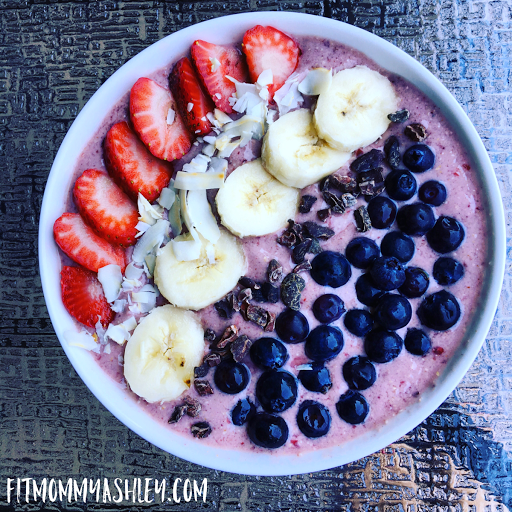 superfood, shakeology, smoothie, bowl, raw, vegan, vegetarian, recipe, easy, busy, clean, healthy, delicious, red, white, blue