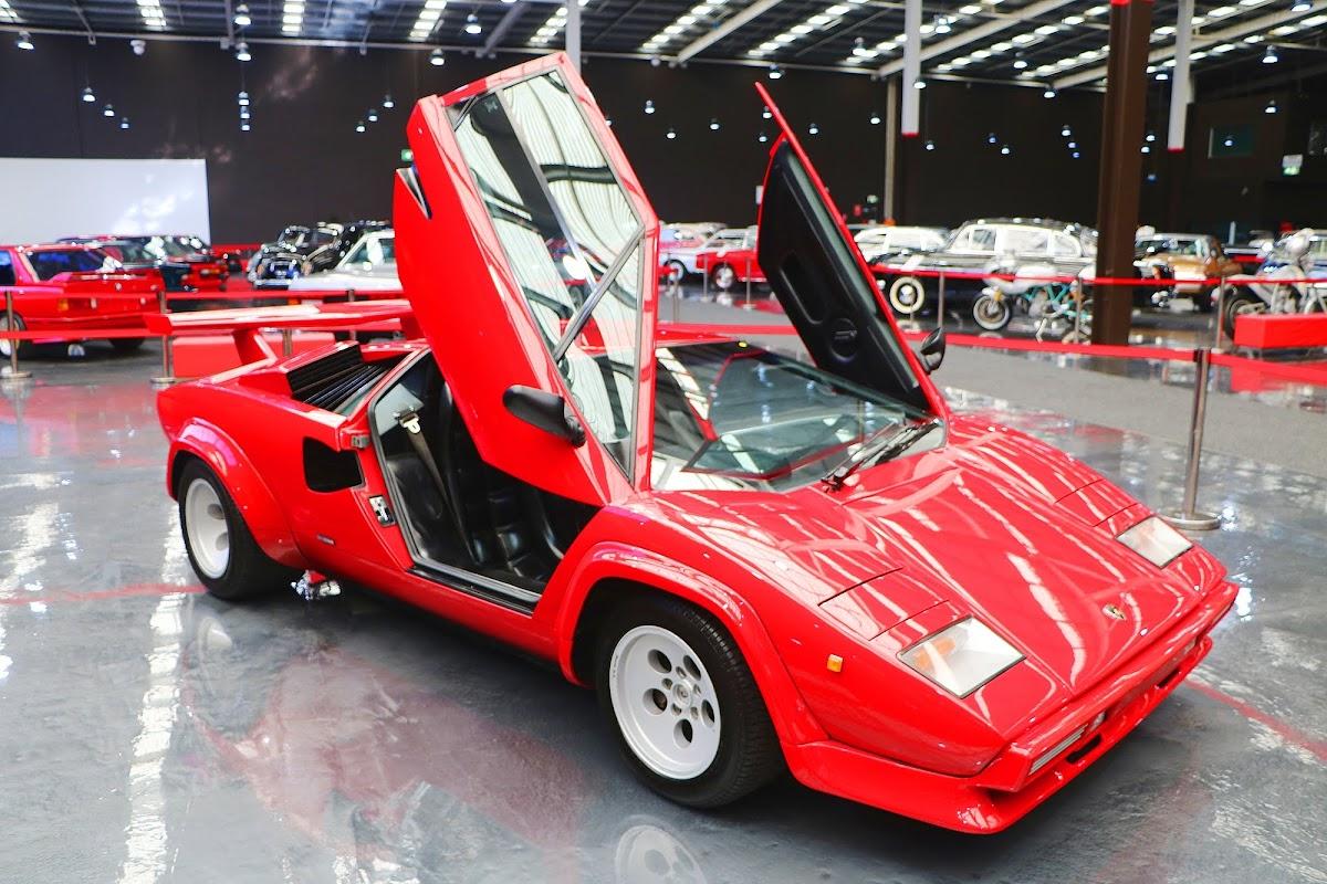 Lamborghini Countach (02).jpg