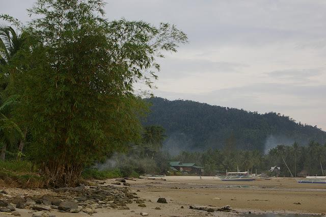 Port Barton à marée basse, Palawan, 14 août 2005. Photo : Jean-Marc Gayman