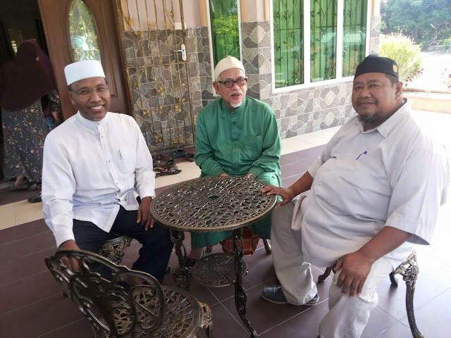 TG Haji Hadi Di Rumah YB Idris Ahmad