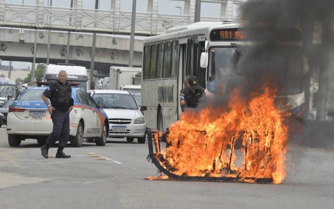 Simpatizantes e marmitas de traficantes fazem protesto na Avenida Brasil após ocupação da PM: Veja o video