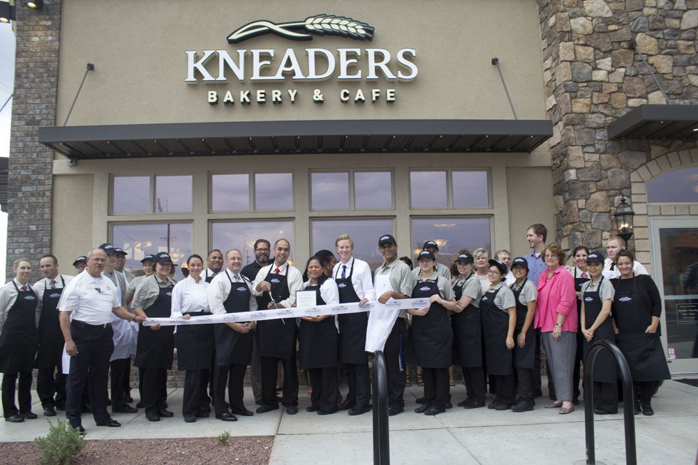 Kneaders celebrated their grand opening in Tucson with a ribbon cutting ceremony. Kneaders uses only natural, healthy ingredients to create their freshly baked breads, delicious sandwiches, homemade pastries, hearty soups, and refreshing salads. Visit Kneaders Bakery & Cafe and experience fresh, homemade food that's good for your whole family.  Kneaders Bakery & Cafe 135 S. Wilmot Road, 85711 (520) 352-0136