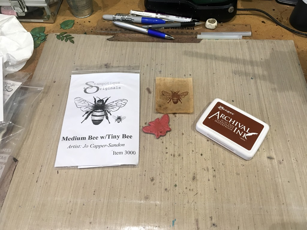 [01+Stamping+the+Bee+on+the+Teabag%5B5%5D]