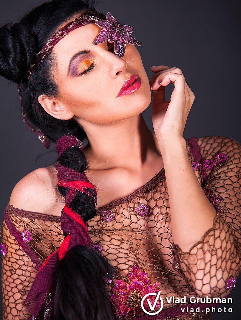 Creative makeup for fashion designer - Photography by Vlad Grubman, Zealusmedia.com