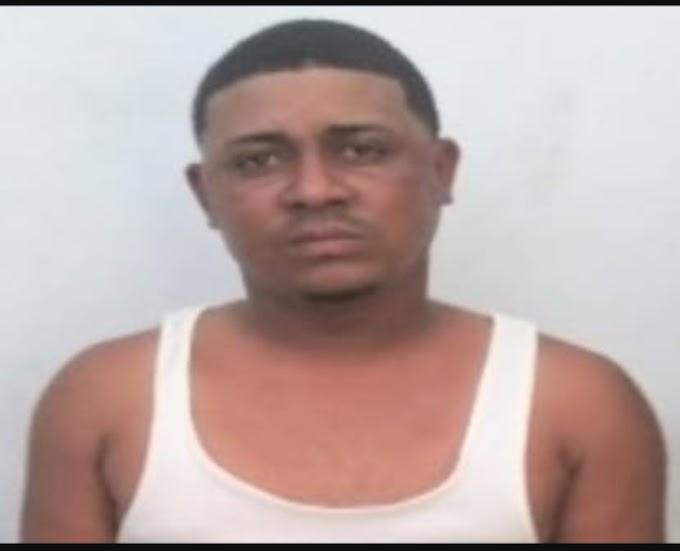 Policía apresa joven por supuestos robos en Barahona