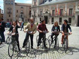 El PSOE busca convertir la bicicleta en una alternativa al transporte urbano