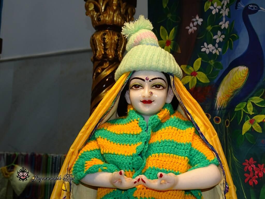 ISKCON Mira Road Mangal Deity Darshan 02 Feb 2016 (12)