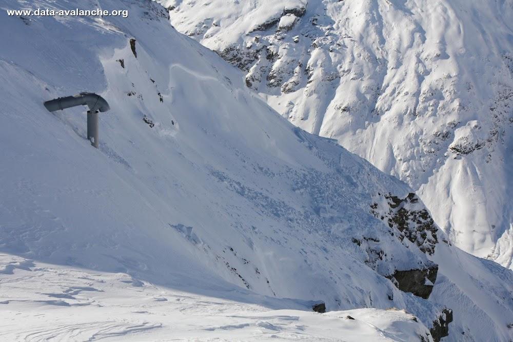 Avalanche Haute Maurienne, secteur Pointe d'Andagne, Couloir du Midi, Bonneval sur Arc, RD 902 - Photo 1