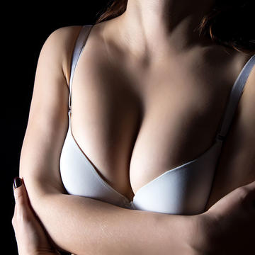 Logical Reasons Why Men Love Breasts And It Totally Makes Sense