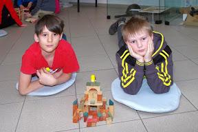 Noc s Andersenem - hry prababiček a pradědů (stavba z dřevěných kostek, (1. republiková stavebnice)