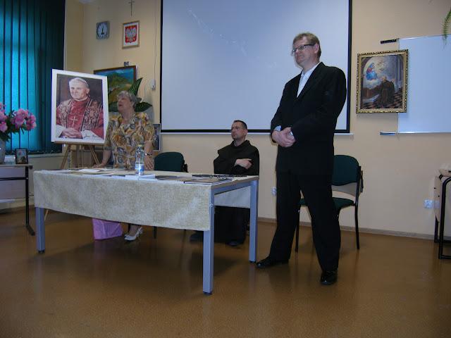 Spotkanie z autorem książek o św. Janie z Dukli i św. Janie Pawle II – Jadwigą Nowak - P6120061.JPG