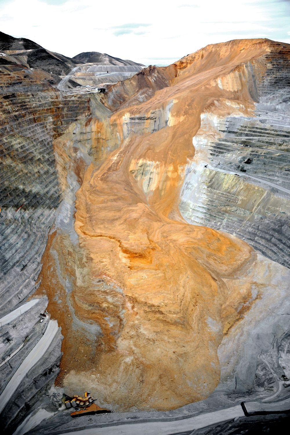 bingham-canyon-mine-landslide