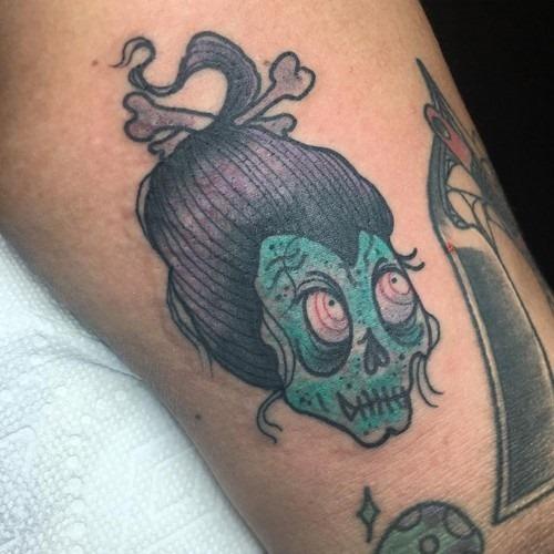 neo-tradicional_voodoo_do_tatuagem_de_cabeça