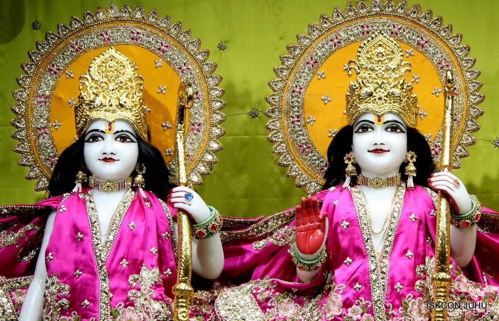 ISKCON Juhu Mangal Deity Darshan 05 Mar 2016 (7)
