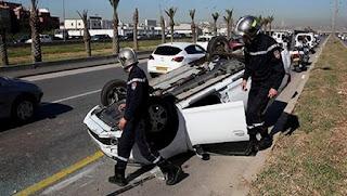 El Bayadh : un mort et 14 blessés dans un accident de la route à Draa Lahmar