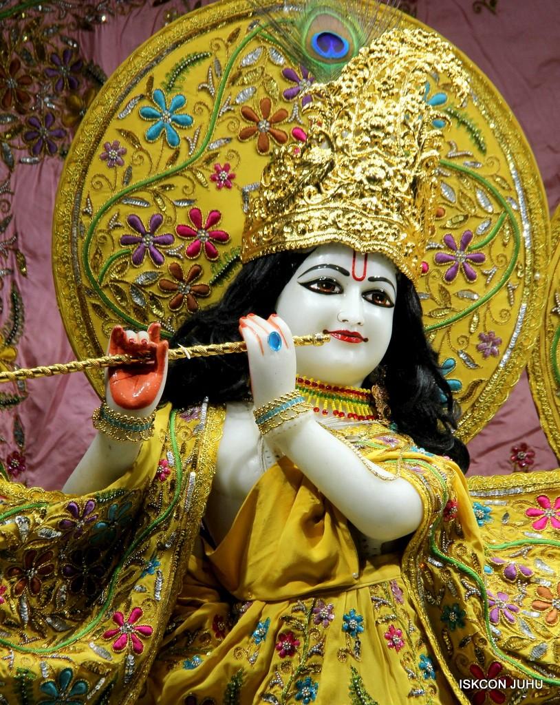 ISKCON Juhu Mangla Deity Darshan 22  Nov 2016 (32)