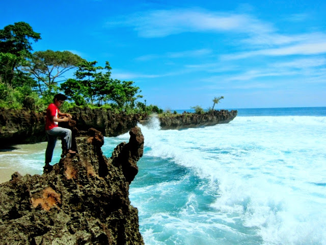 ADVENTURE : PERSIAPAN BACKPACKER KE UJUNG GENTENG SUKABUMI, INDONESIA