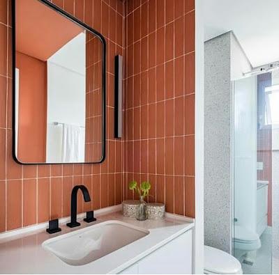 Dinding kramik kamar mandi warna coklat