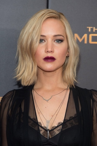 AW16 beauty trends, Jennifer Lawrence - StyleBuzzUK