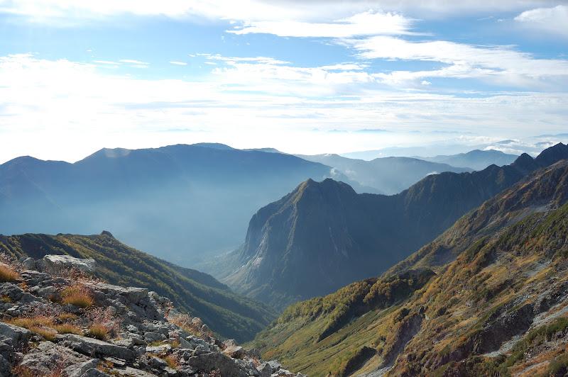 屏風岩 上から見た涸沢への谷