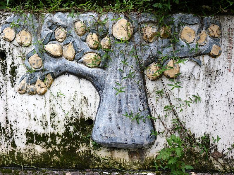 Puli  en passant , entre autres, par les villages de l ethnie Bunum de Loloko et Dili. J 10 - P1170029.JPG