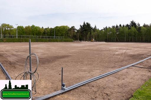 aanleg kunstgrasveld sss'18 08-05-2015 (4).jpg
