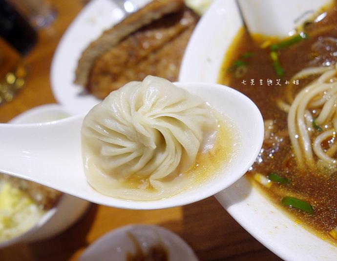 17 杭州小籠湯包