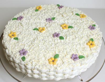 Torte e decorazioni torta ricotta e pere for Decorazioni di torte con panna montata