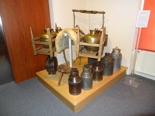 2016.08.07-042 éléments destinés au transport du lait au musée de Normandie