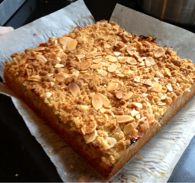 Obsessive Compulsive Baking Disorder: Gooseberry Crumble Cake
